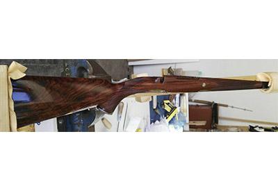 personalización arma madera
